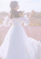 笑顔を失った純白の歌姫