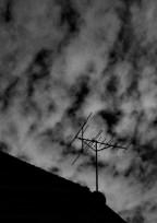 やっぱり空は黒色で