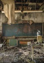 廃学校 閉鎖空間にて