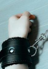 関ジュの性奴隷は紅一点でした。