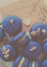 青 色 の 軽 。