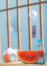ラムネ瓶から甘い雨