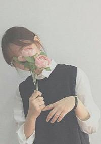 君の笑顔に花束を。