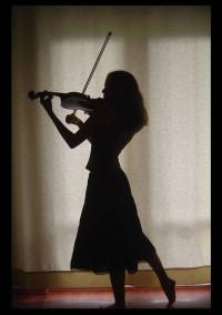 バイオリンをする君の横顔__